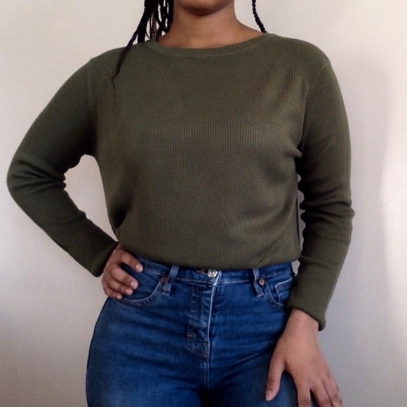 H&M OLIVE GREEN SWEATER 😻💫